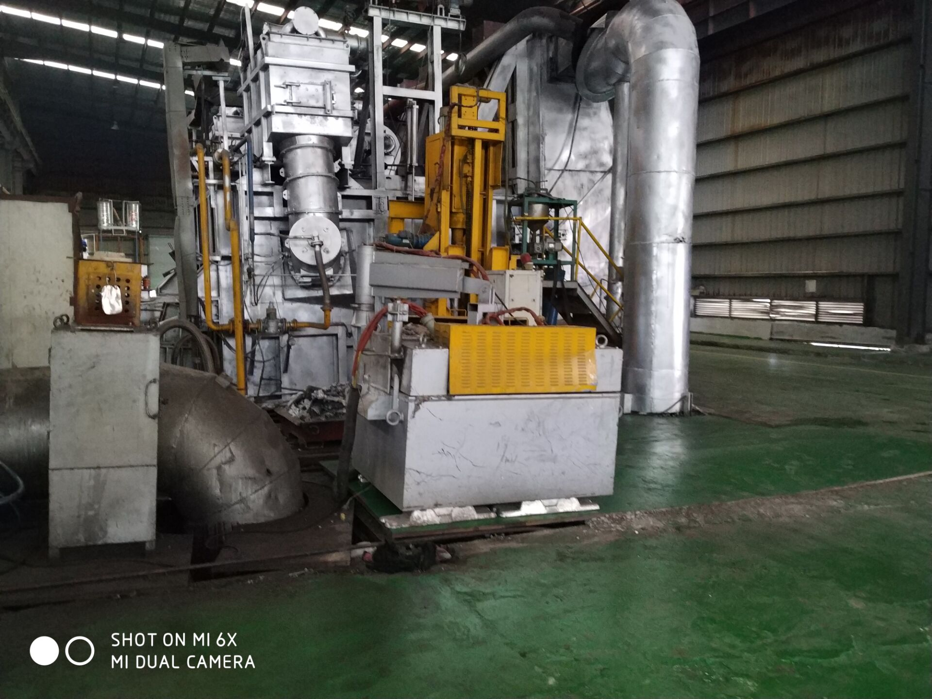 Three rotor degassing box