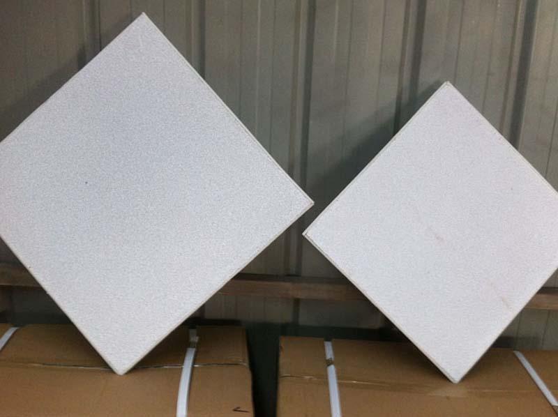 Filtering Molten Aluminium